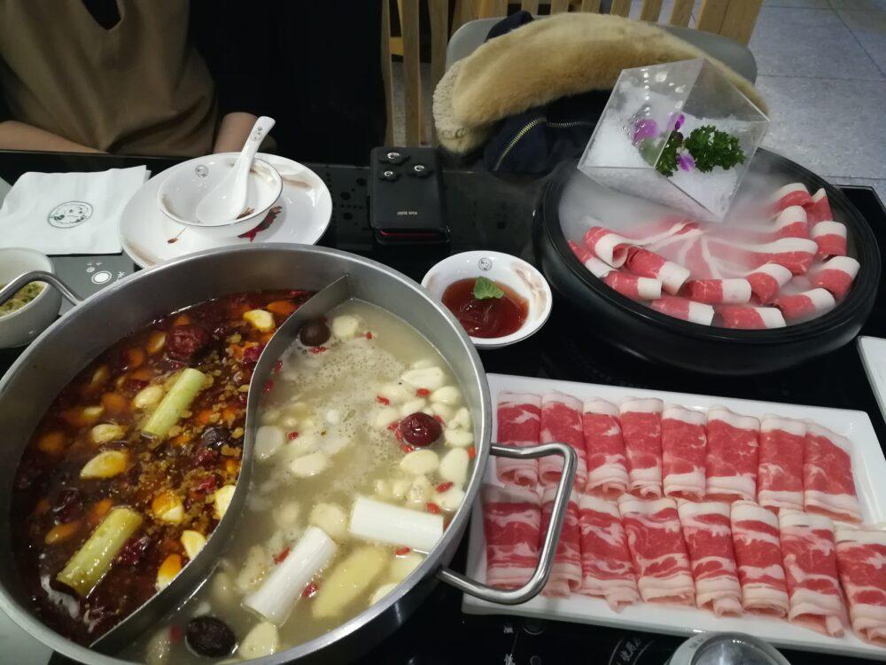 上海のローカルの火鍋屋150元(約2400円)の写真