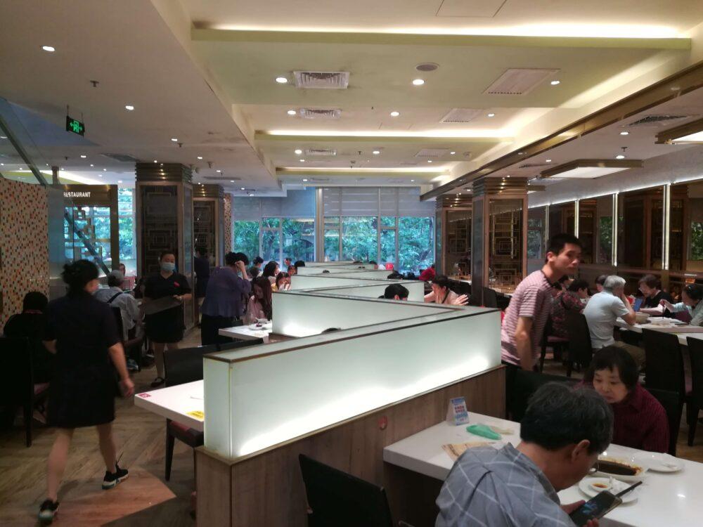 光明邨大酒家2Fレストランの店内の様子の写真
