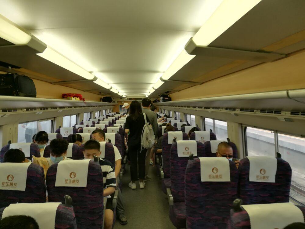 上海高速鉄道の車内の様子を撮影した写真