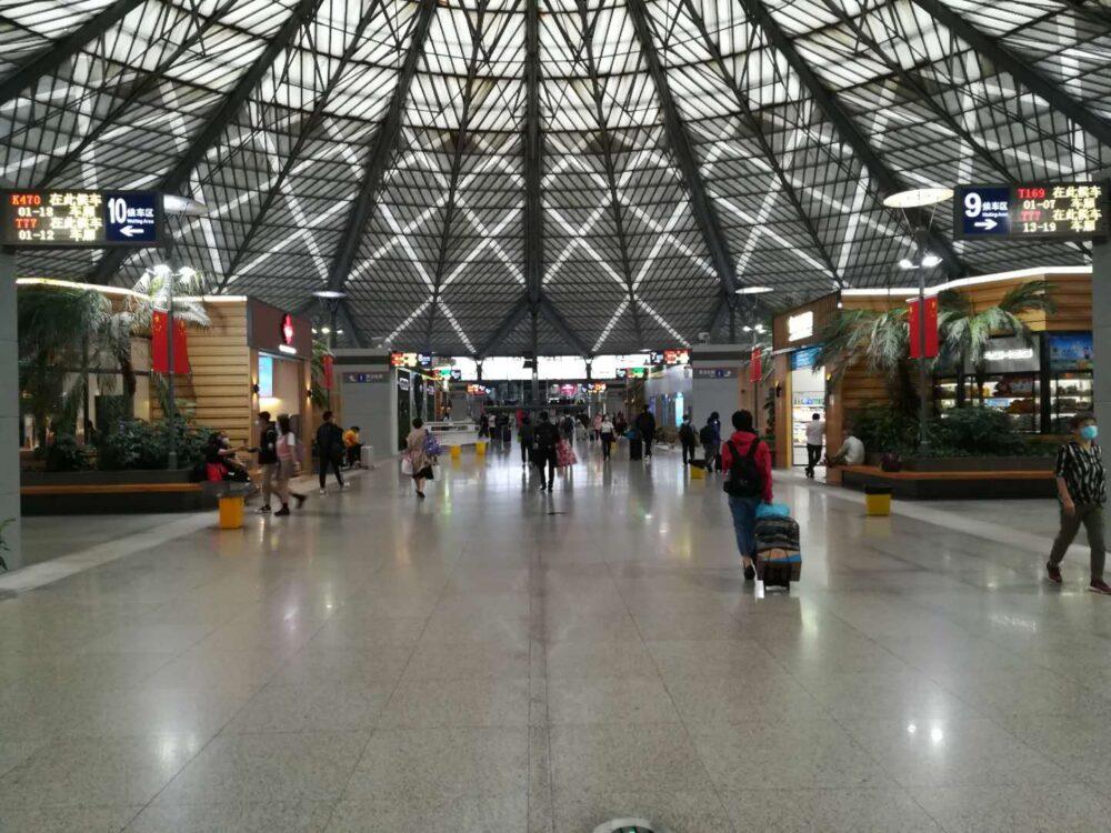 上海南駅構内の様子の写真