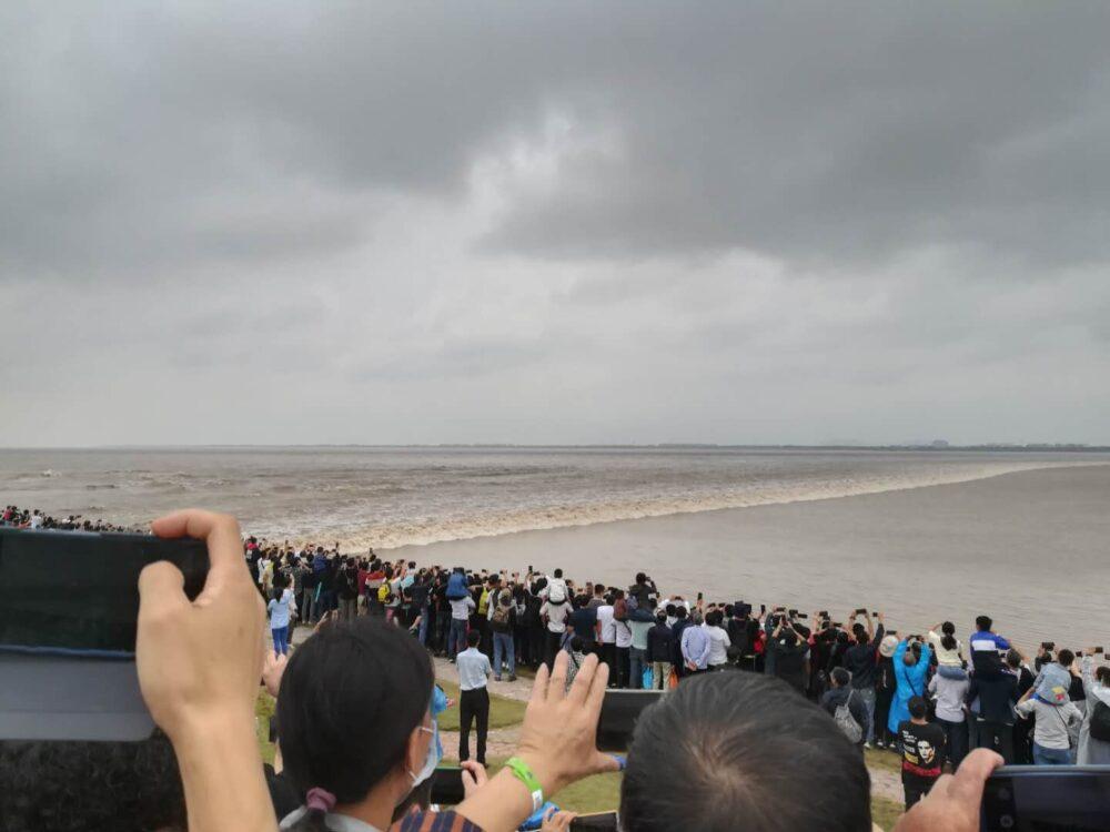 銭塘江の逆流の写真②