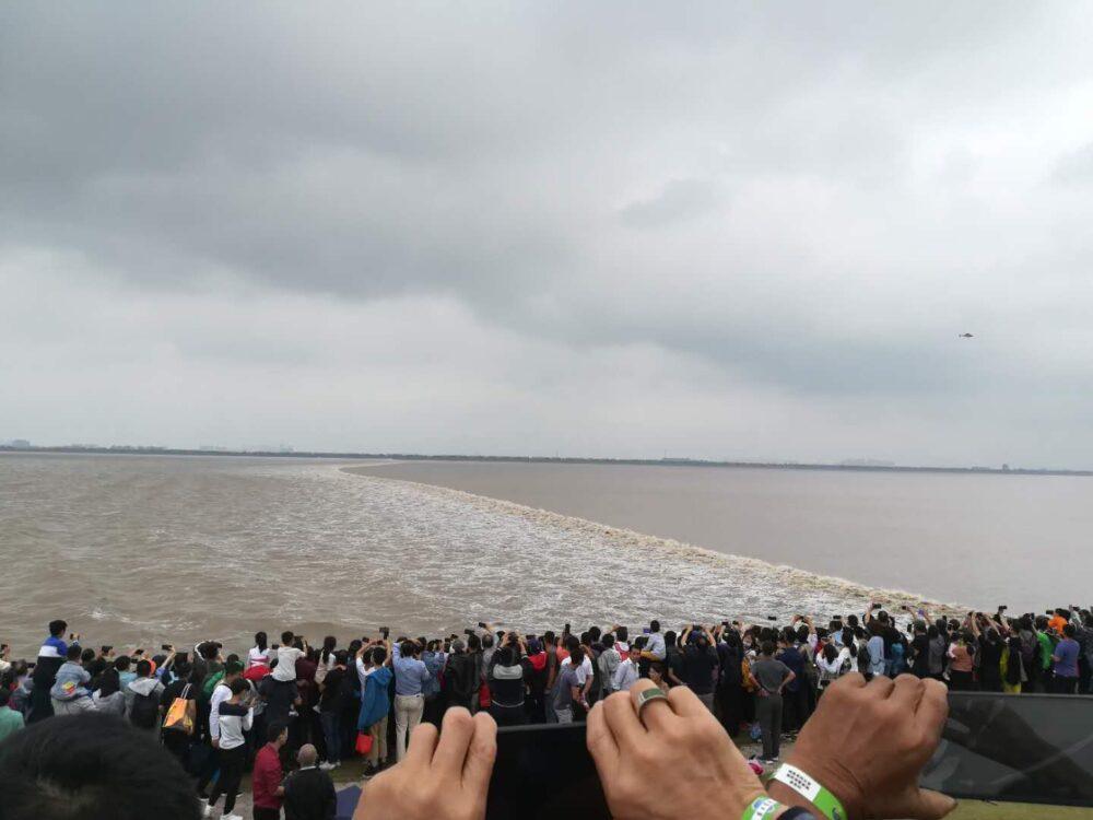 銭塘江の逆流の写真③